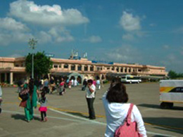 INDORE空港